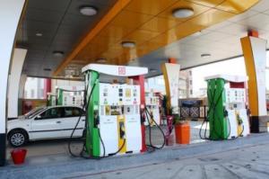 2000 متر زمین مجوزات پمپ بنزین و تجاری