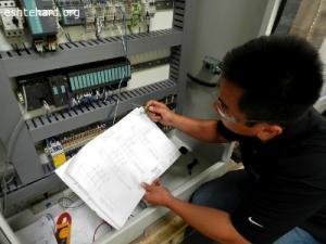 برق و برقکار صنعتی سورنا صنعت بیستون