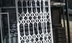 فروش و نصب انواع درب های اکاردئونی