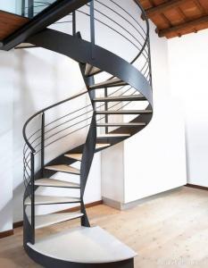 طراحی و ساخت انواع پلکان فلزی اعم از پیچ و اضطراری و گرد