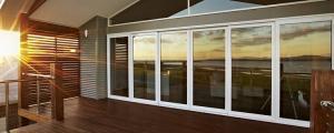 شرکت بنیس: درب و پنجره دو جداره - درب ضد سرقت-کابینت -کف پوش