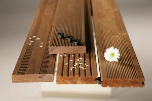 محلول آبگریز و رنگ چوب ترمو و سازه های چوبی