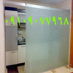 نصب و رگلاژ درب شیشه ای سکوریت (شیشه میرال)