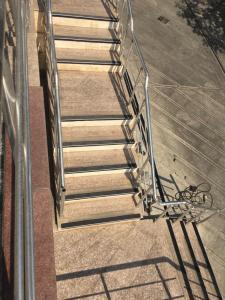 نبشی پله | نبشی لاستیک پله | ترمز پله | استپ پله